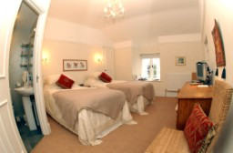 Orchard Room - Twin Bedroom at Gelynis Farm